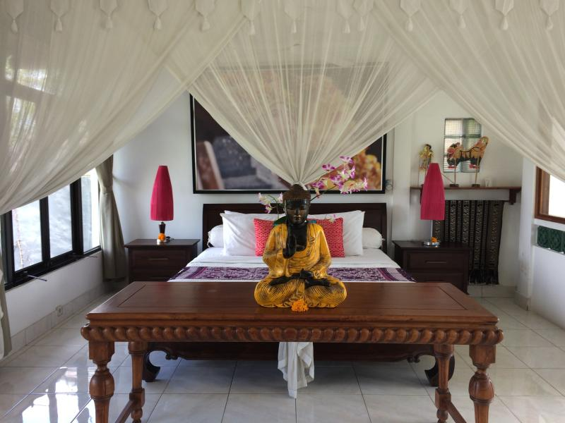 The Master bed is screened off from the daybed - Ubud Rice Field Green Loft Villa - Ubud - rentals