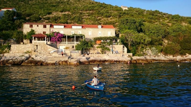 Studio on the beach front line & terrace & views - Image 1 - Dubrovnik - rentals