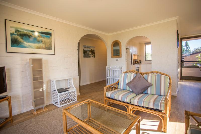 Golden Sands - Oceanside 1 - Image 1 - Blueys Beach - rentals