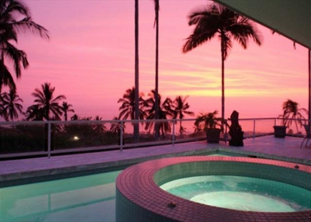 Breathtaking Sunset at Aloha Shores - 3 Master Suites, Private Pool and Fantastic Ocean Views! - PHKEST7 - Kailua-Kona - rentals