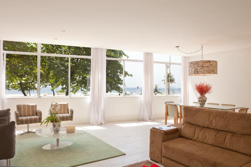 W69 - 5 Suite Apartment in Copacabana - Image 1 - Rio de Janeiro - rentals