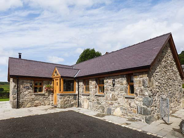 BEUDY, all ground floor, woodburner, parking, garden, in Betws-y-Coed, Ref 905258 - Image 1 - Cerrigydrudion - rentals