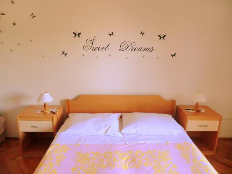 apartment for 2 to 10 people, Pula, Croatia - Image 1 - Pula - rentals