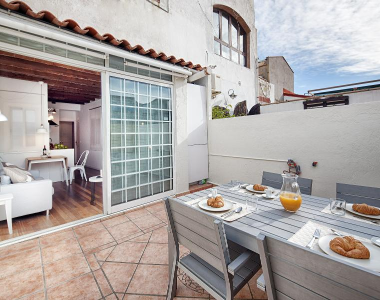 Cathedral Apartment with terrace next to the majestic Cathedral of Barcelona - Image 1 - Barcelona - rentals
