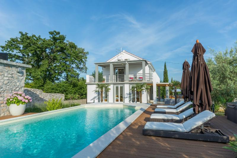 Private, serene and exclusive, this Luxury Villa Krk is a real gem. - Luxury Villa Krk - Fine Ljubljana Apartments - Krk - rentals