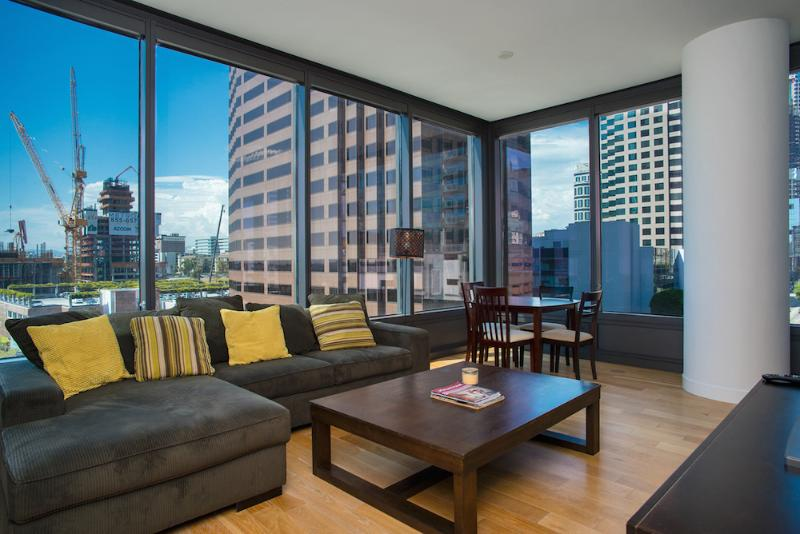 Modern 2 Bedroom Apartment in Downtown - Image 1 - Los Angeles - rentals