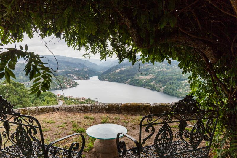 Selfcatering farmhouse- stunning views-private pool for sole use of guests - 8 p - Image 1 - Porto - rentals