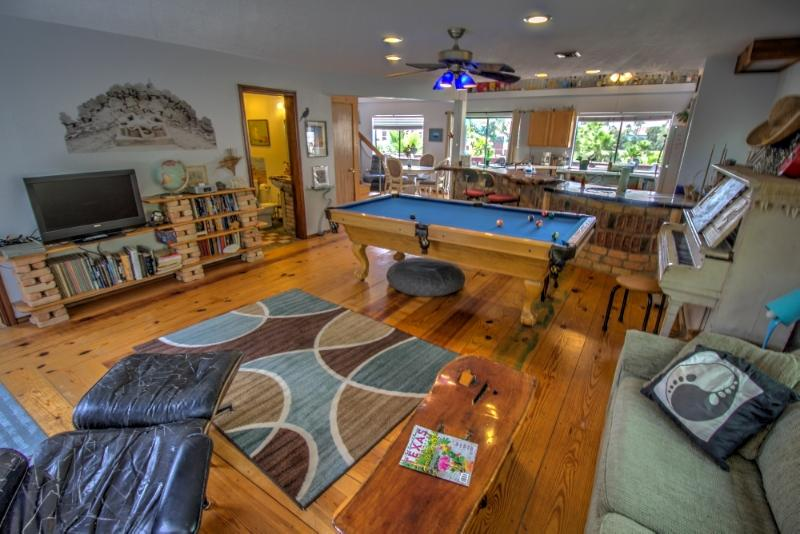 Open, spacious living area with pool table - sandy feet's SandBox Inn of South Padre Island, TX - South Padre Island - rentals