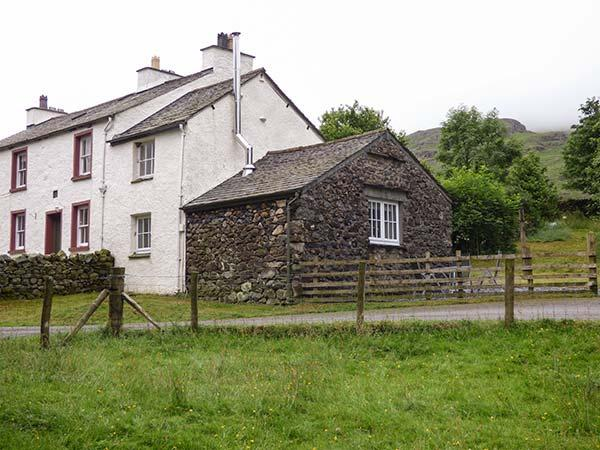 COCKLEY BECK COTTAGE, pet-friendly rural cottage, woodburner, walks from door, in Cockley Beck, Ref 914891 - Image 1 - Broughton-in-Furness - rentals