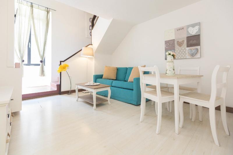 Living Room - Palazzo Velli - Gioacchino Belli Suite - Rome - rentals