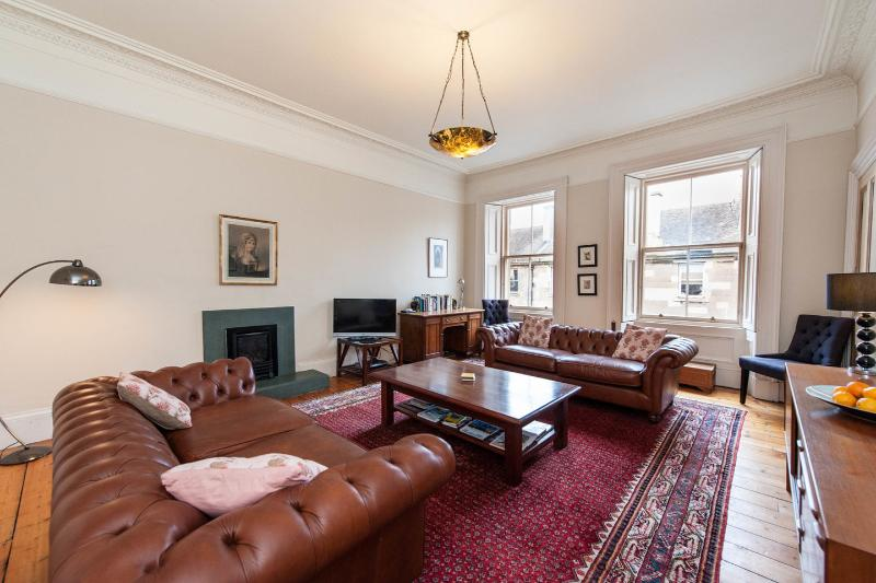 The stylish and spacious  Living Room - The Ross Residence, Edinburgh - Edinburgh - rentals