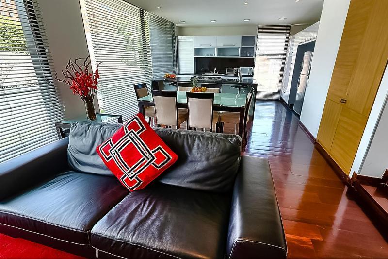 Marvelous 2 Bedroom Apartment in Santa Barbara - Image 1 - Bogota - rentals