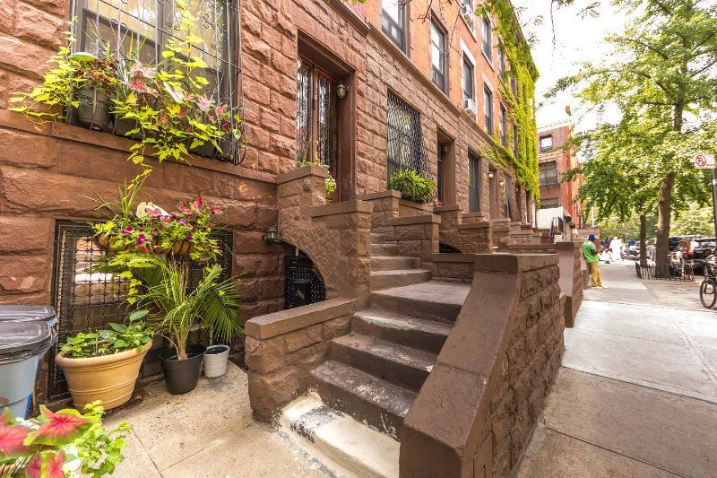 Entrance - Modern Studio Apartment Historic Harlem Brownstone - New York City - rentals