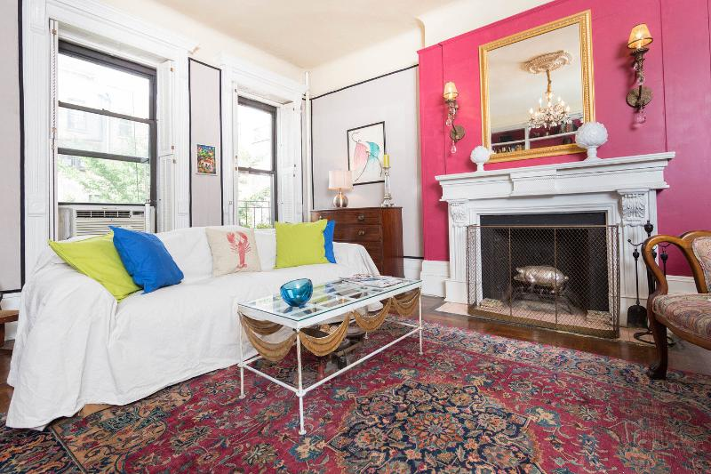 A summertime pop of color in an otherwise drab city. - Art, Romance, Central Park - New York City - rentals