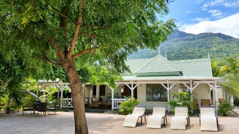 Villa La Preneuse - Charming beachfront villa for 6 persons - Riviere Noire - rentals