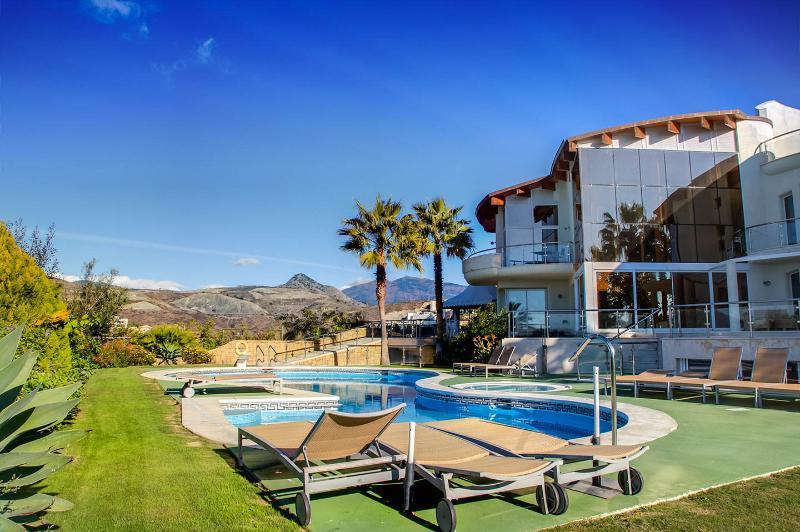 Villa El Cid - Image 1 - Benahavis - rentals