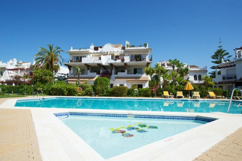 3 Bed Castiglione San Pedro - Image 1 - Marbella - rentals