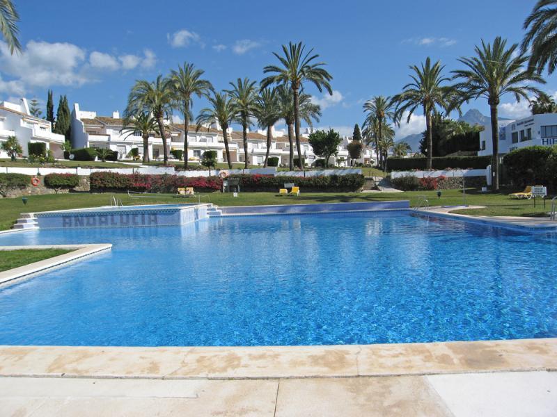 Andalucia Garden Club DBR 2 bed - Image 1 - Marbella - rentals