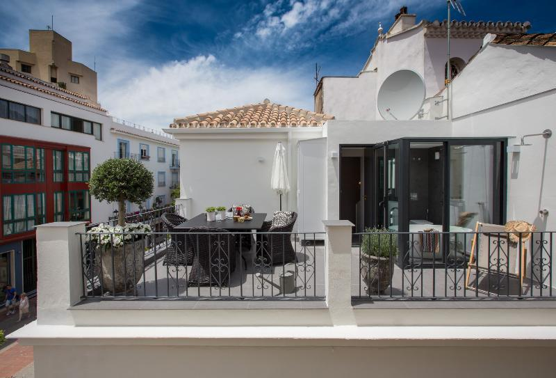 Tanu Townhouse - Image 1 - Marbella - rentals