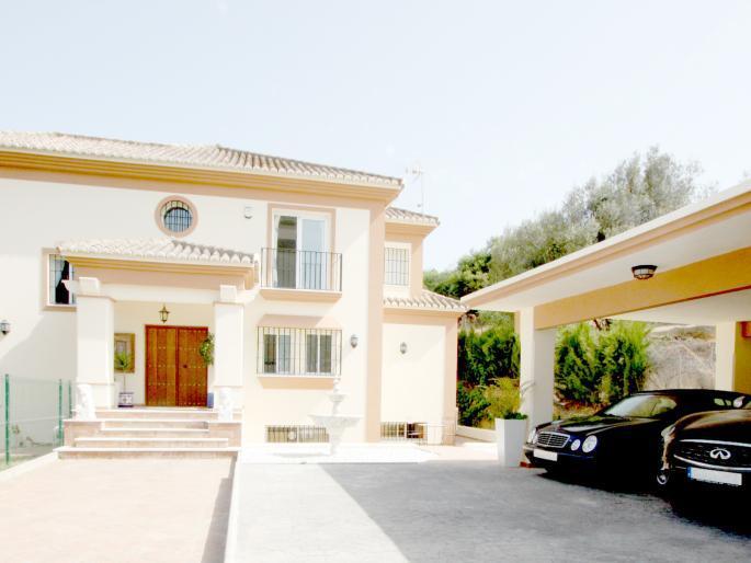 Villa Rio Atalaya - Image 1 - Marbella - rentals