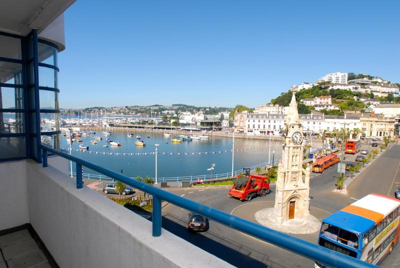 5 Queens Quay located in Torquay, Devon - Image 1 - Torquay - rentals