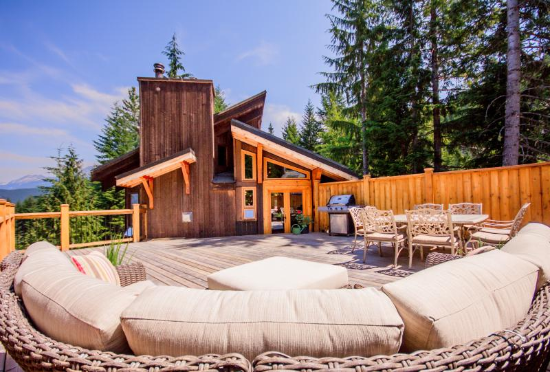 The sunny rooftop deck! - Aurora Lodge, Whistler. - Whistler - rentals