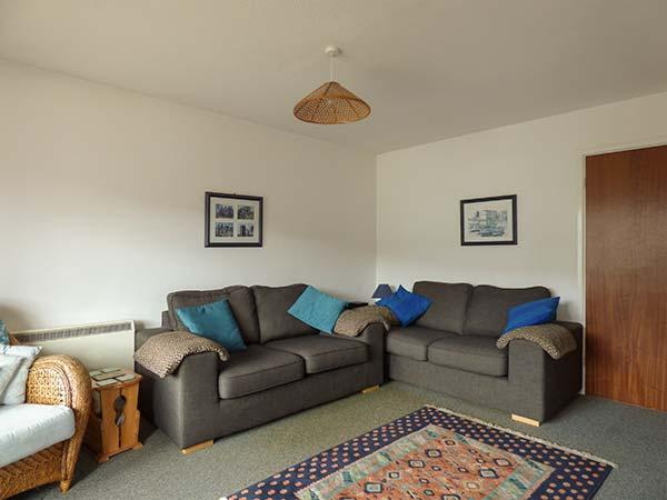 KERNOW COTTAGE, upside down house, ground floor bedrooms,private patio, WiFi - Image 1 - Porthleven - rentals