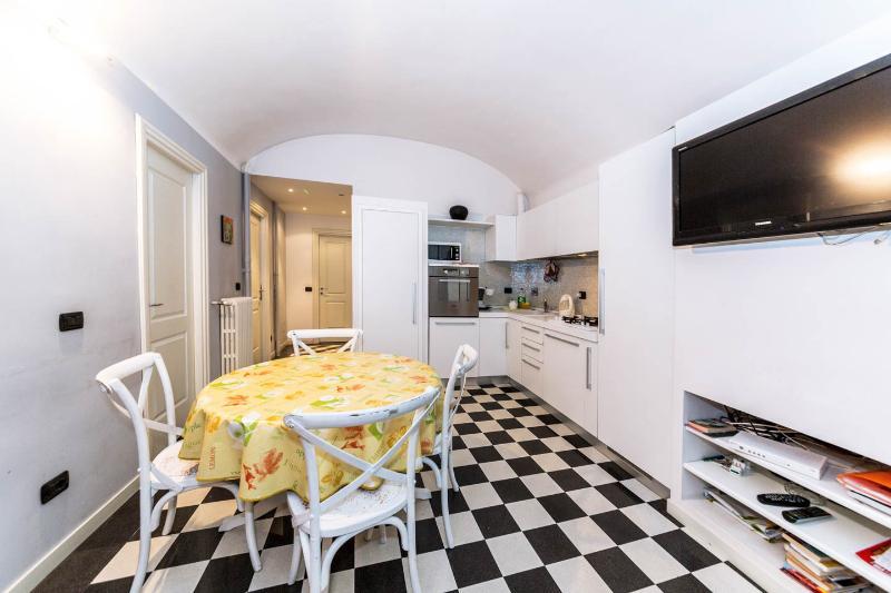 Rome Vacation Rental near Colosseum Roman Forum - Image 1 - Rome - rentals