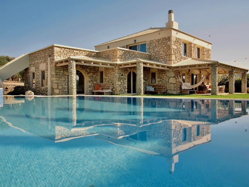 Luxury Villa Armonia-Pitsidia - Villa Armonia:Luxurious,Spacious Villa,Heated Pool - Pitsidia - rentals