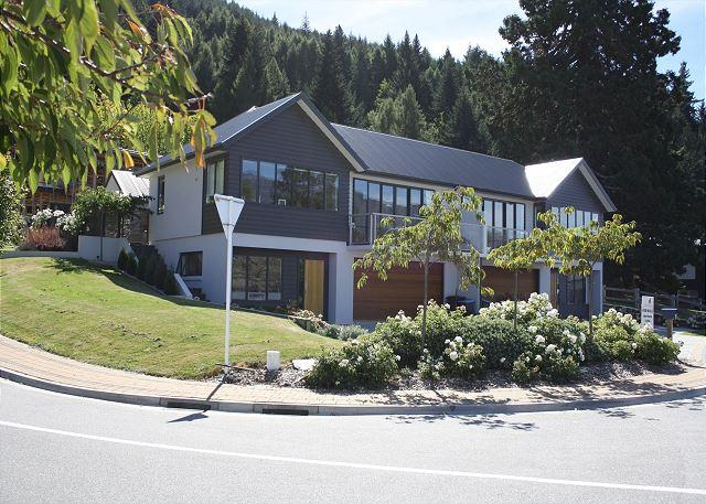 Ultimate Views A - Image 1 - Queenstown - rentals