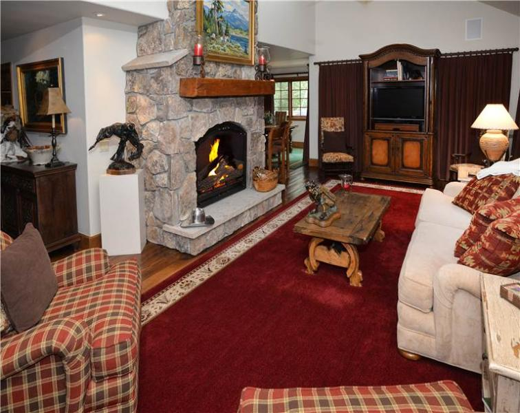 76 Bachelor Gulch Rd. East half - Image 1 - Beaver Creek - rentals