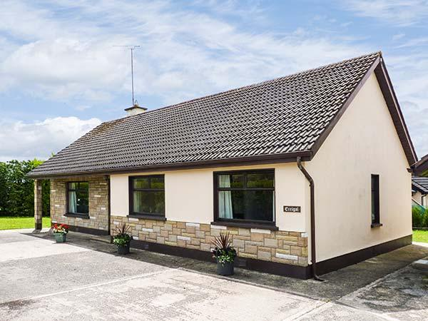 ERRIGAL, wet room, enclosed garden, beach and amenities nearby, Rosslare, Ref. 906599 - Image 1 - Rosslare - rentals