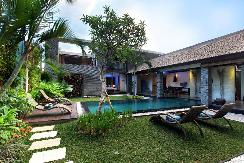 Anjali Blue Luxury 4 Bedroom Villa & Pool, Petitenget - Image 1 - Seminyak - rentals