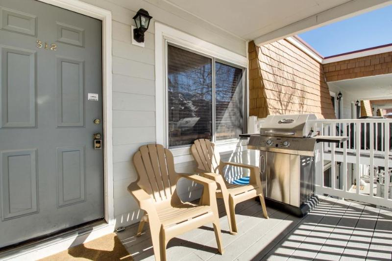 Upscale mountain condo close to chairlift w/ shared hot tub! - Image 1 - Breckenridge - rentals