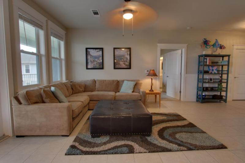 Dog-friendly beachfront condo with views & beach access, pools & hot tub! - Image 1 - Galveston - rentals