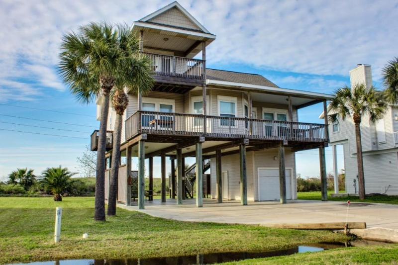 Beautiful, modern house close to the beach - perfect for families! - Image 1 - Galveston - rentals