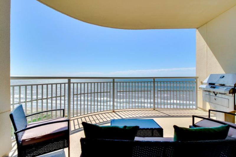 Luxury beachfront condo with amazing views & shared hot tubs, pools & more! - Image 1 - Crystal Beach - rentals