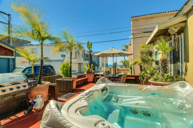 Charming Mission Beach cottage w/private hot tub & patio! - Image 1 - San Diego - rentals