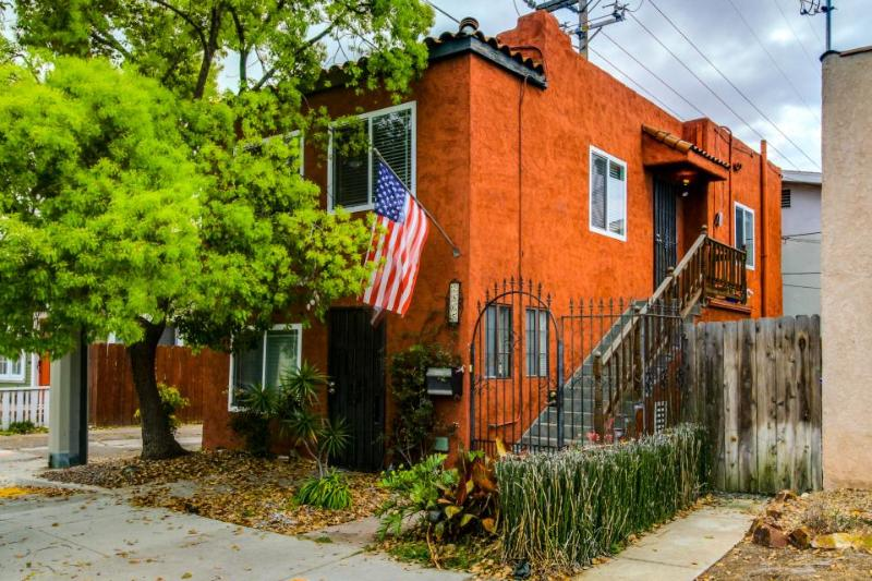 Remodeled, chic condo in the heart of North Park - convenient location! - Image 1 - San Diego - rentals