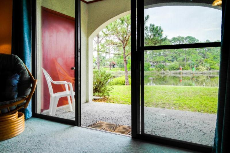 Stylish, ground-level condo w/shared pool, sauna, tennis, & beach access! - Image 1 - Panama City Beach - rentals