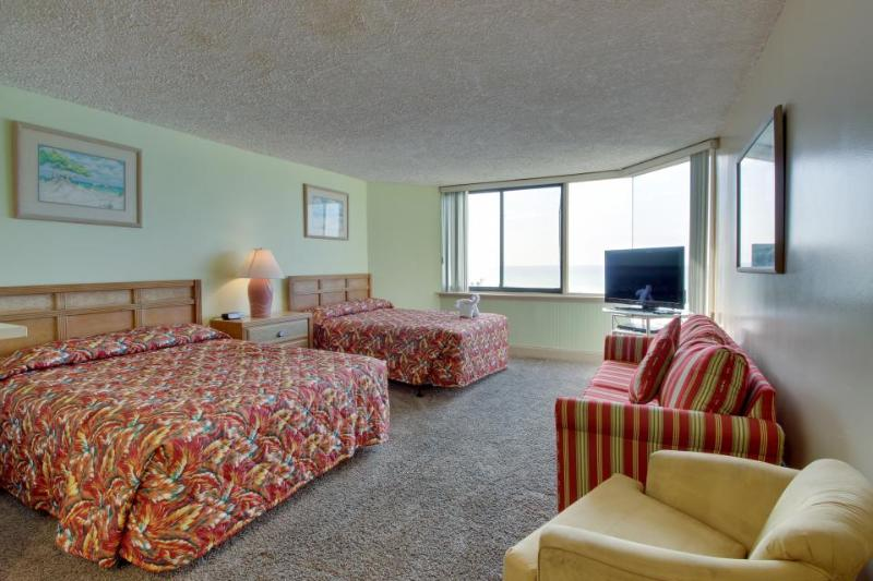 Well-stocked, waterfront beach condo w/ pools, steps to the sand! - Image 1 - Panama City Beach - rentals