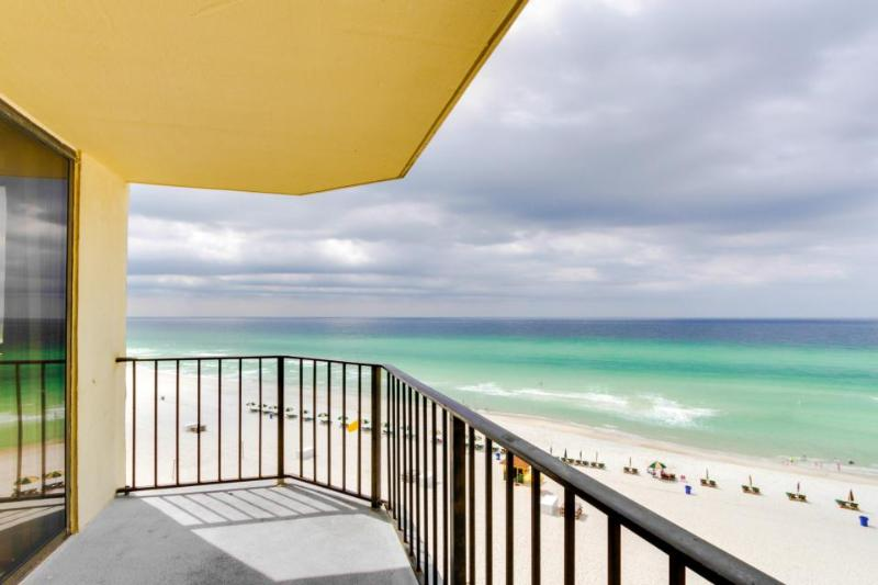Romantic waterfront retreat w/ view and shared swimming pool - Image 1 - Panama City Beach - rentals