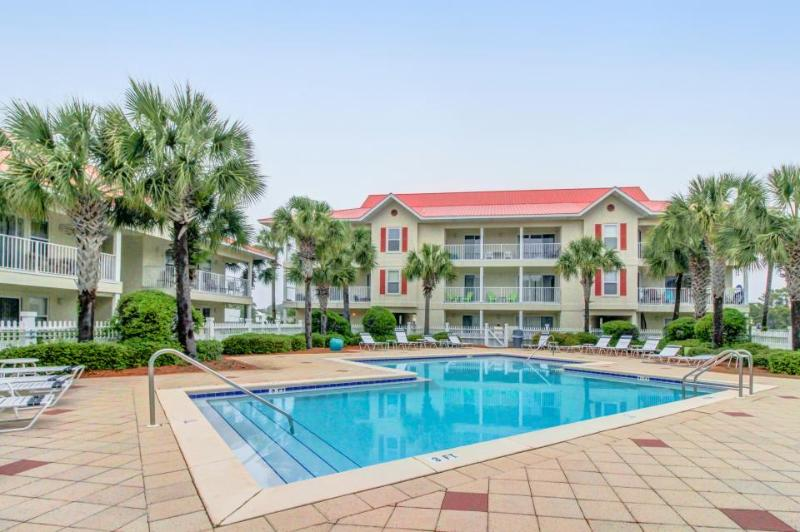 Delightful, ground floor condo w/ shared pool - close to the beach - Image 1 - Santa Rosa Beach - rentals