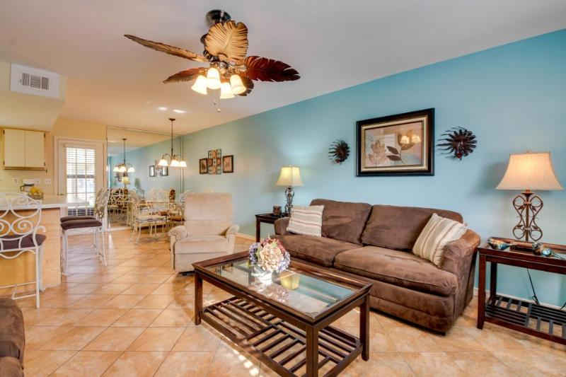 Luxurious townhouse close to private beach, pools, mini-golf - Image 1 - Panama City Beach - rentals