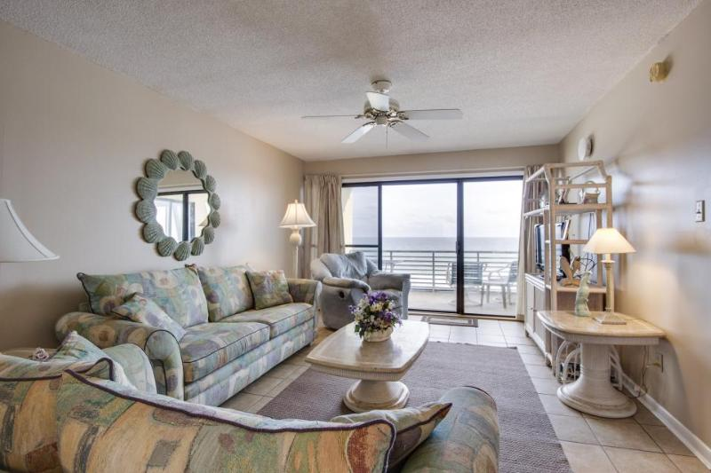 Fantastic oceanfront condo w/beach & pool access, and stunning views - Image 1 - Panama City Beach - rentals