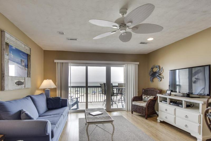 Cozy, oceanfront condo w/shared pool - close to beach, shopping, and more! - Image 1 - Panama City Beach - rentals