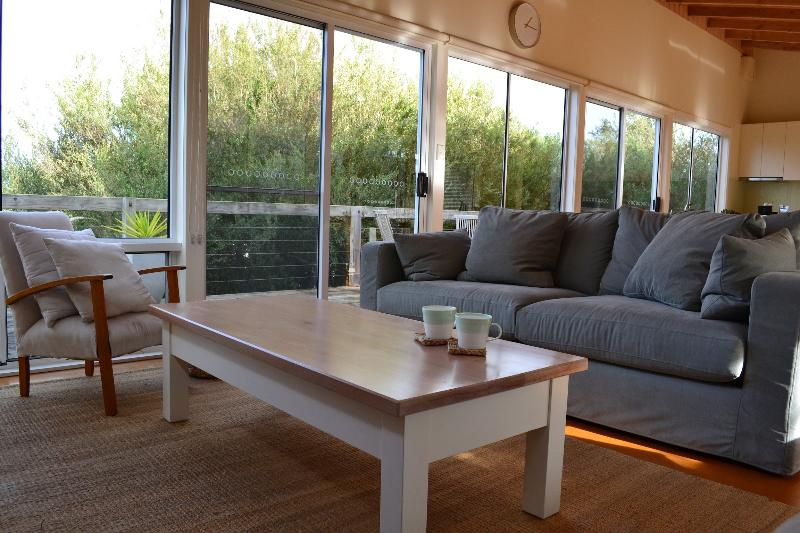 Lounge area - The Pelican Shed - Robe Retreats - Robe - rentals