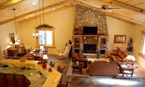 Exquisite Great Room - Eden Mountain Lodge:Luxury Home w/ Spa, Pool Table - City of Big Bear Lake - rentals