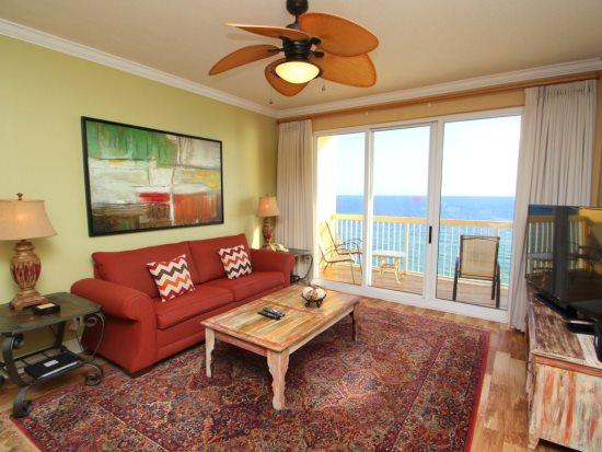 Luxurious family friendly 3 Bedroom with a View, 2 King Beds, FREE BEACH CHAIRS and 55 inch HDTV Service - Image 1 - Panama City Beach - rentals