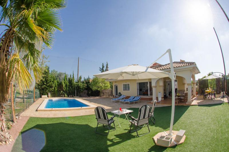 Villa Jacaranda (Spain): Pool, Golfcourse, near Beaches - Image 1 - Alicante - rentals